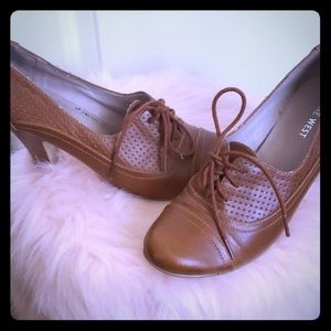 Nine West Picola brown oxford heels